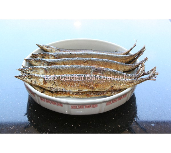 煎秋刀魚 Pan Fried Mackerel Pike